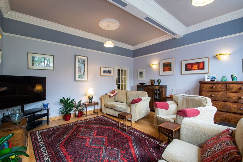 2 bed flat for sale in Bridgnorth Road  - Property Image 3