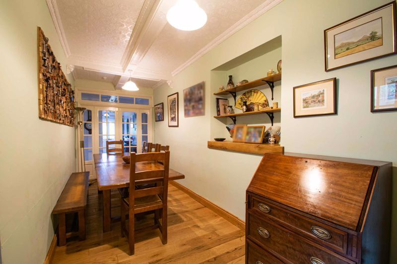 2 bed flat for sale in Bridgnorth Road  - Property Image 6
