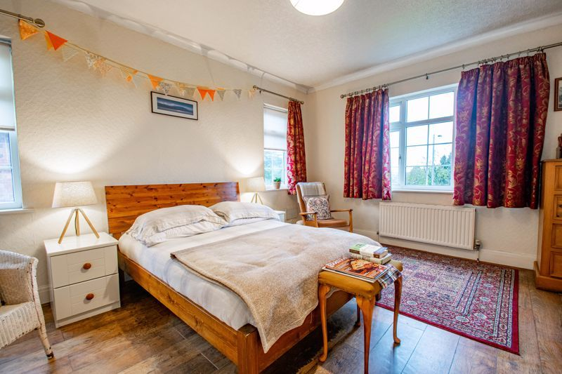 4 bed house for sale in Birmingham Road 18