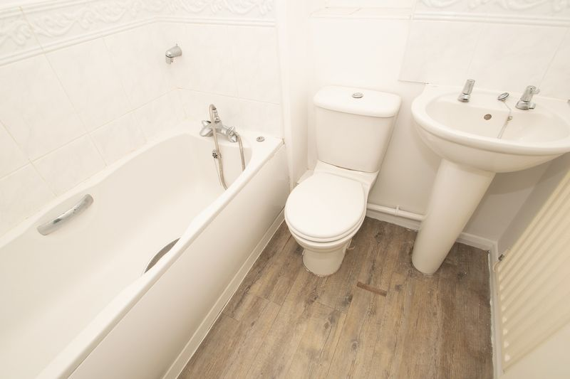 2 bed house for sale in Roundhills Road  - Property Image 11
