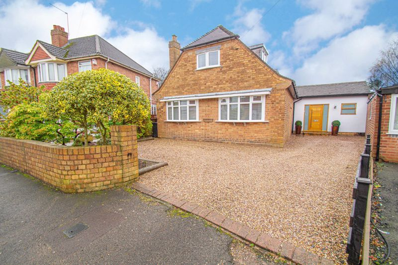 3 bed house for sale in Newfield Crescent 1