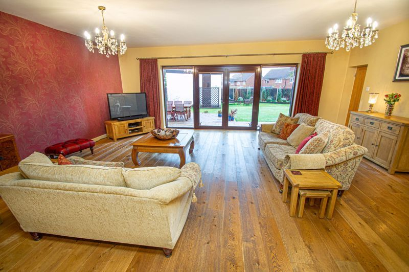 3 bed house for sale in Newfield Crescent 4
