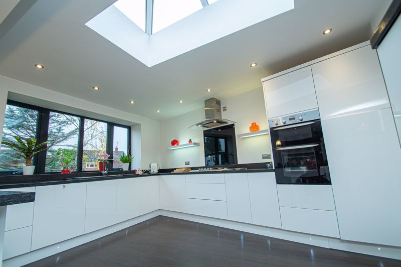 3 bed house for sale in Newfield Crescent 6