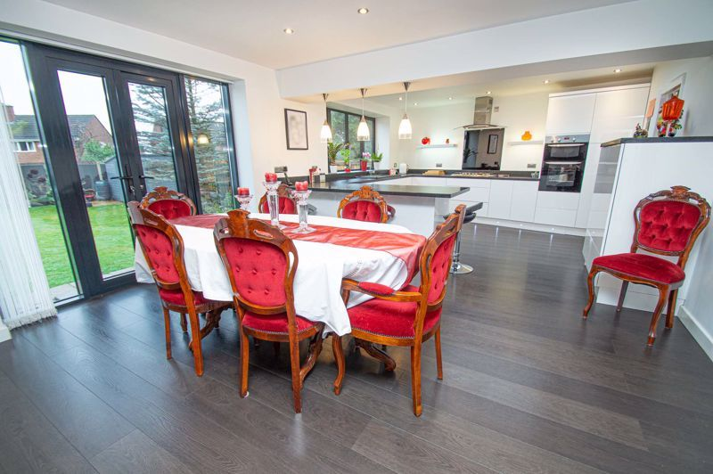 3 bed house for sale in Newfield Crescent  - Property Image 9