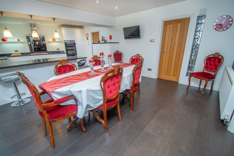 3 bed house for sale in Newfield Crescent 10