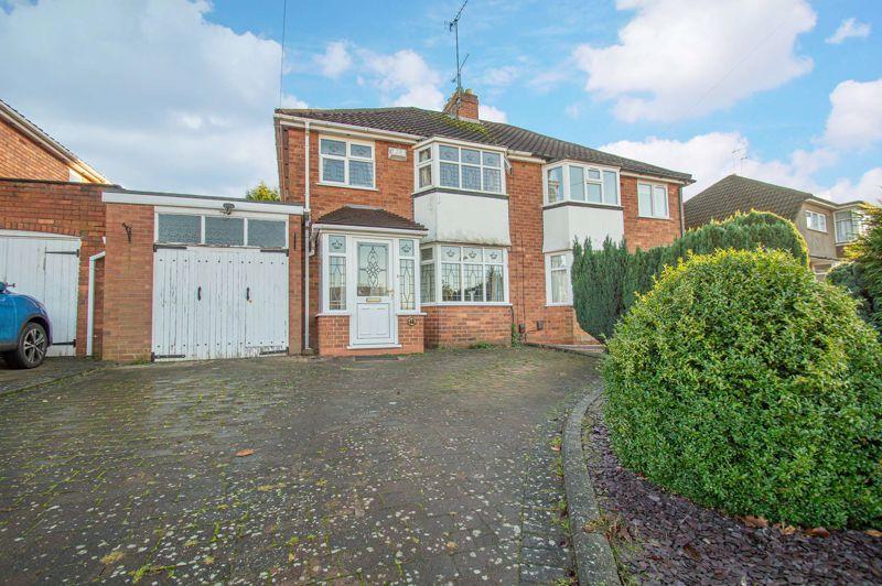 3 bed house for sale in Longmoor Road 1