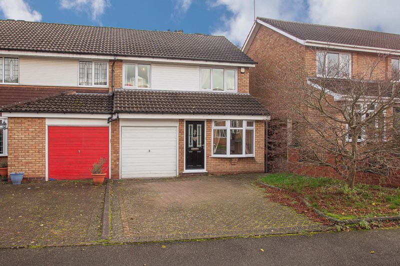 3 bed house for sale in Long Mynd 1