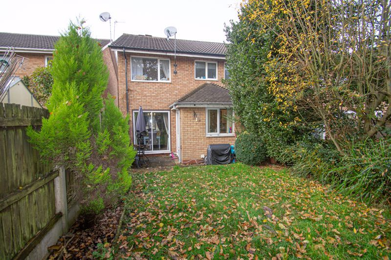 3 bed house for sale in Long Mynd 13