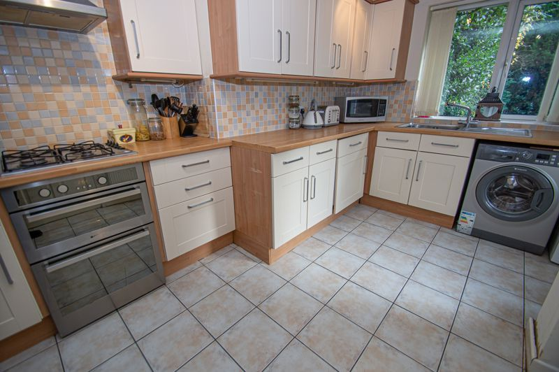 3 bed house for sale in Long Mynd 5