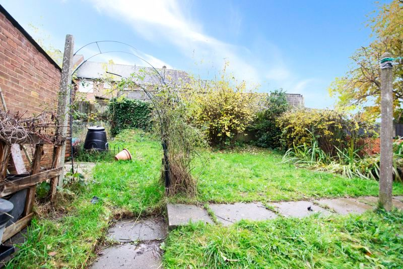 1 bed flat for sale in Cromwell Lane  - Property Image 8