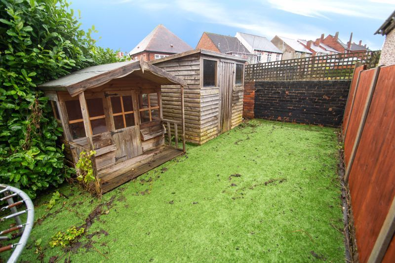 2 bed house for sale in Ladysmith Road 10