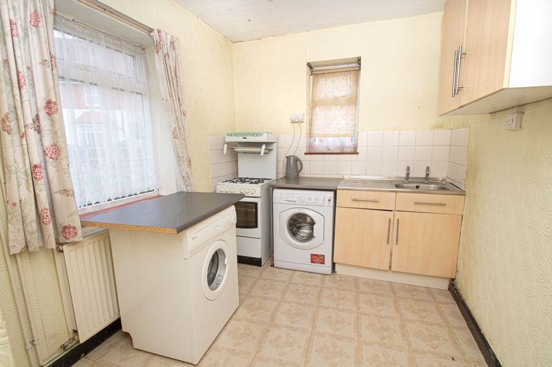 3 bed house for sale in Wall Well Lane 5
