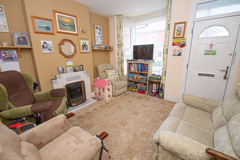 4 bed house for sale in Mount Pleasant  - Property Image 2