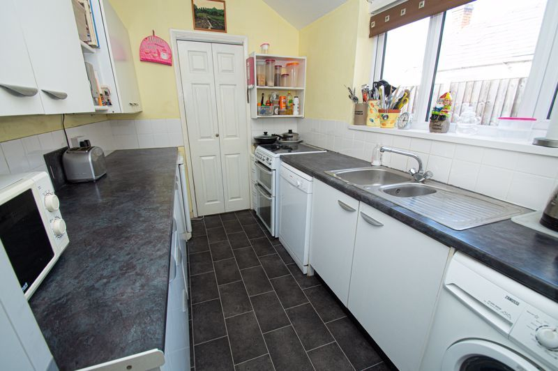 4 bed house for sale in Mount Pleasant  - Property Image 4