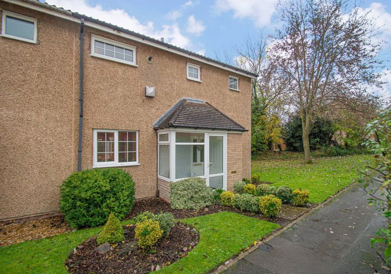 2 bed house for sale in Garway Close 1