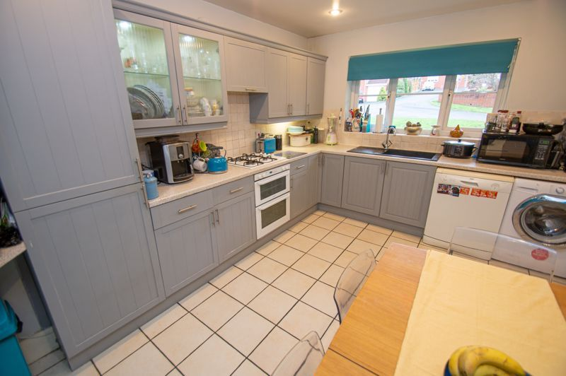 3 bed house for sale in Tromans Close 4