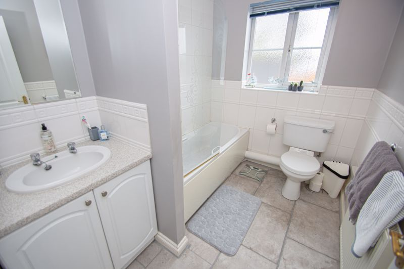 3 bed house for sale in Tromans Close 10