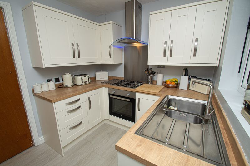 2 bed house for sale in New Pool Road  - Property Image 8