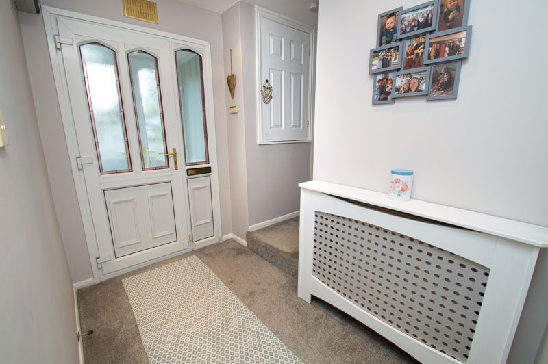 2 bed house for sale in New Pool Road 9