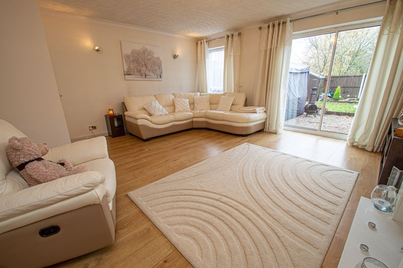 3 bed house for sale in Barrow Close 2