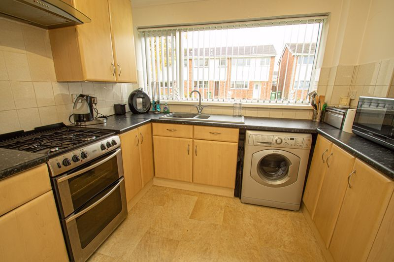 3 bed house for sale in Barrow Close 5