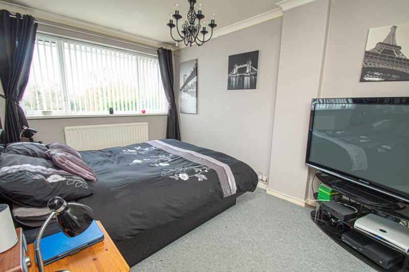 3 bed house for sale in Barrow Close 6