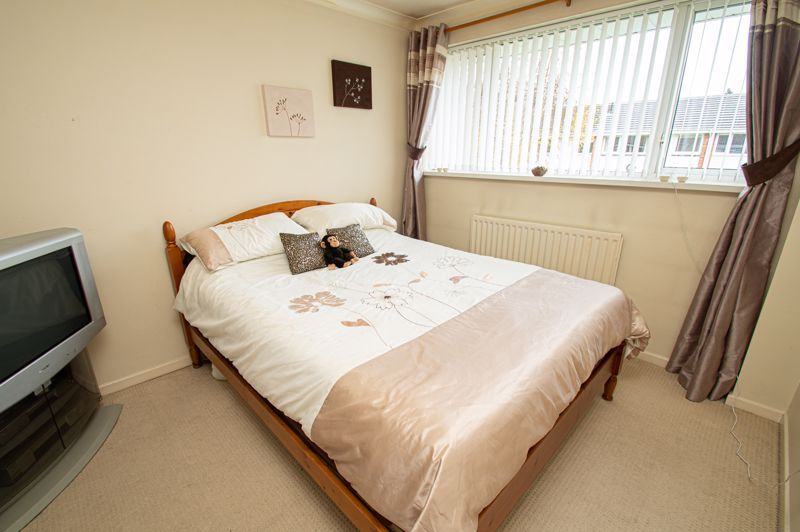 3 bed house for sale in Barrow Close 8
