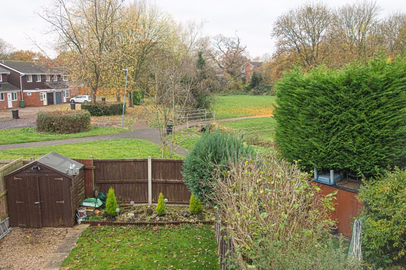 3 bed house for sale in Barrow Close 10