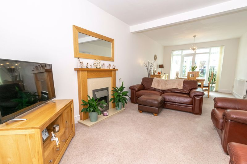 3 bed house for sale in Birmingham Road 2