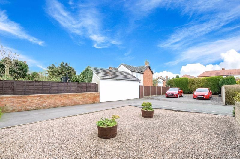3 bed house for sale in Birmingham Road 14