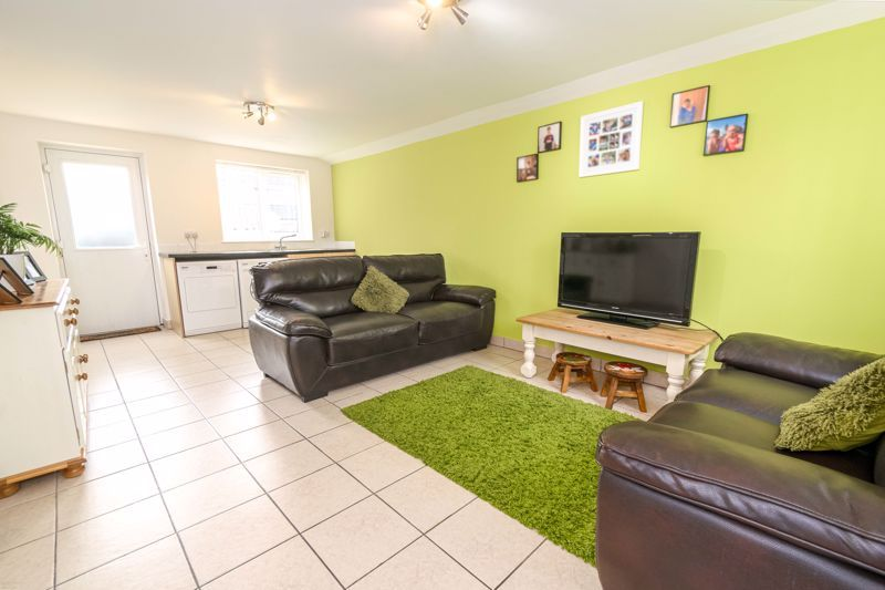 3 bed house for sale in Birmingham Road  - Property Image 4