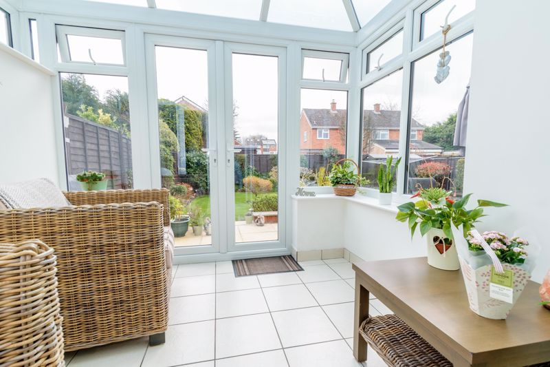 3 bed house for sale in Birmingham Road 7