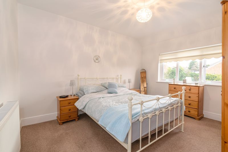 3 bed house for sale in Birmingham Road 8