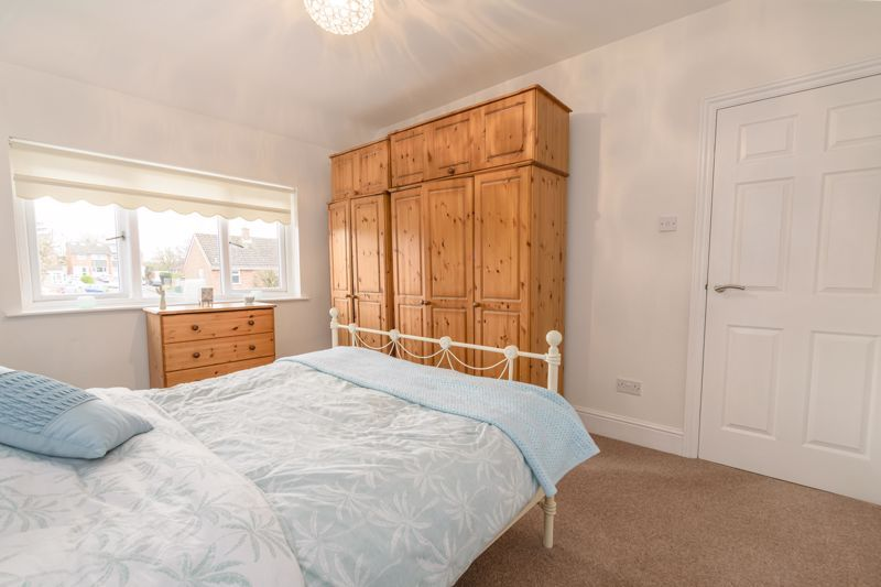 3 bed house for sale in Birmingham Road 9