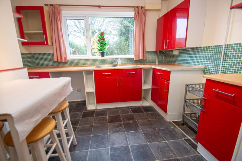 2 bed house for sale in Round Hill Terrace 4