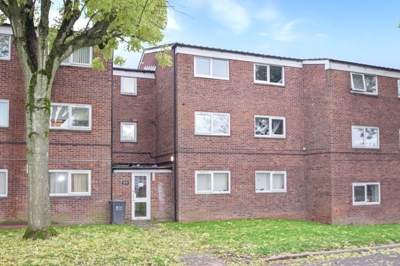2 bed flat for sale in Leysters Close - Property Image 1