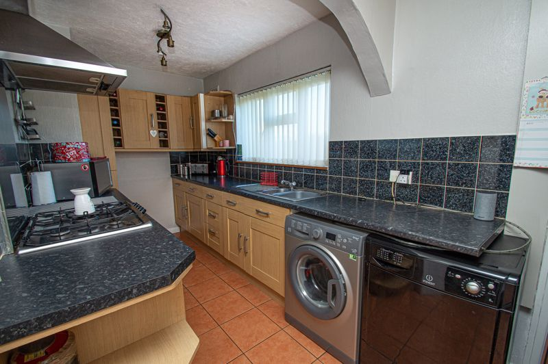 2 bed house for sale in Cradley Road 5
