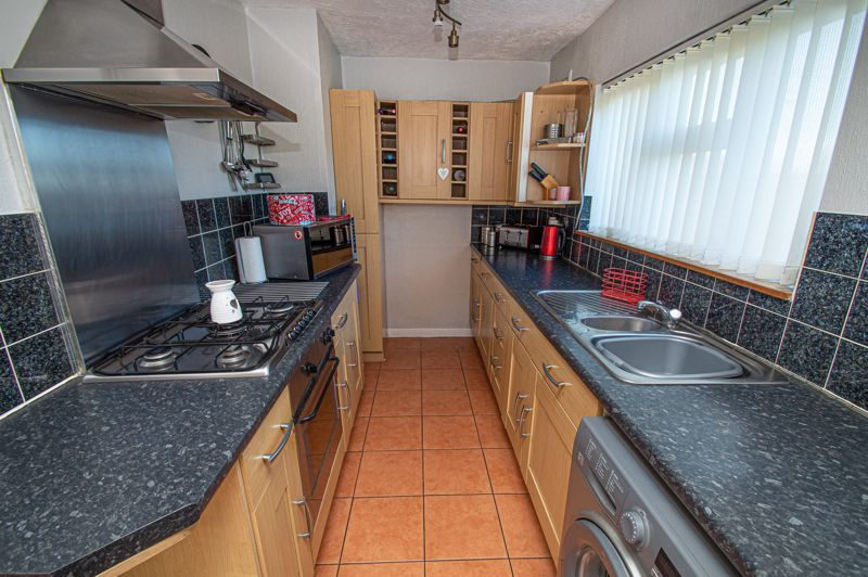 2 bed house for sale in Cradley Road 6
