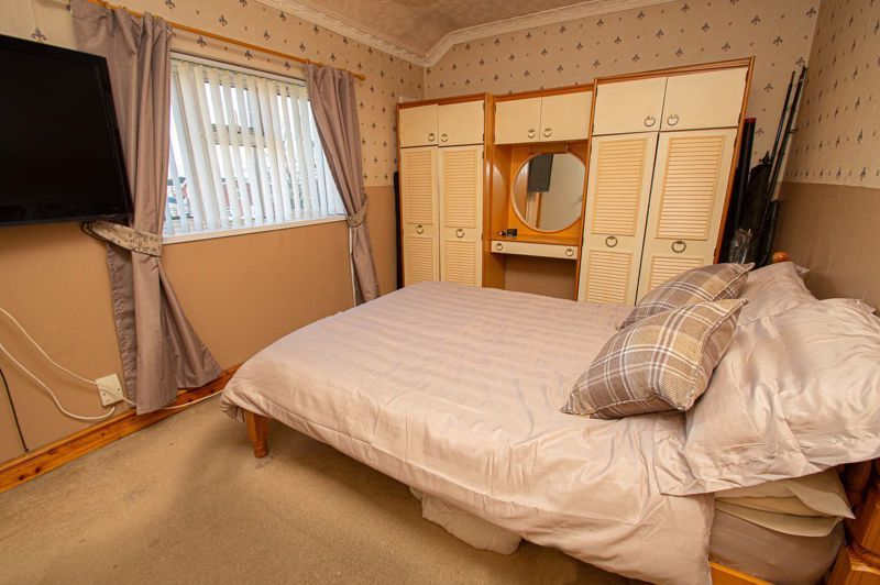 2 bed house for sale in Cradley Road 7