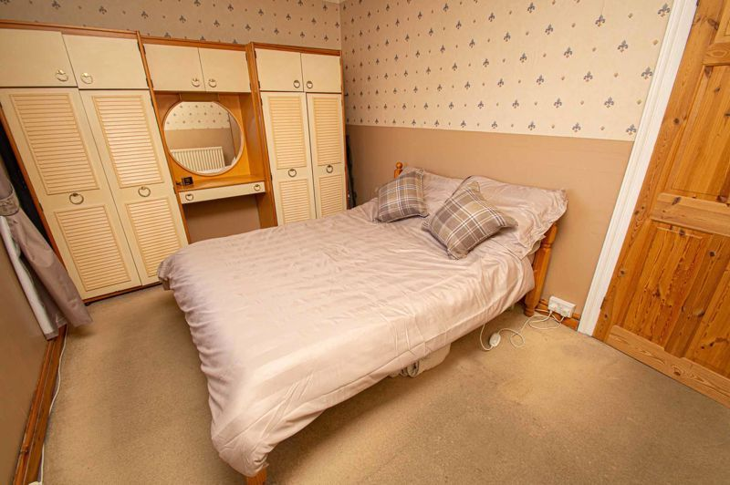 2 bed house for sale in Cradley Road 8