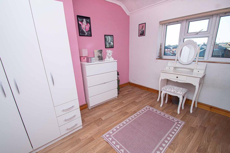 2 bed house for sale in Cradley Road 9