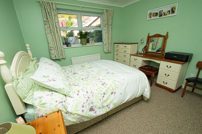 2 bed bungalow for sale in Fernwood Close  - Property Image 11