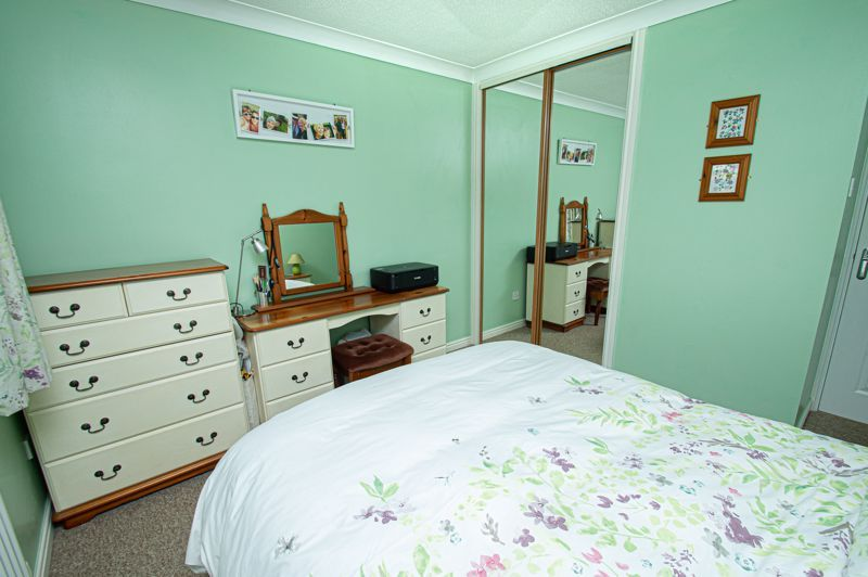 2 bed bungalow for sale in Fernwood Close 12