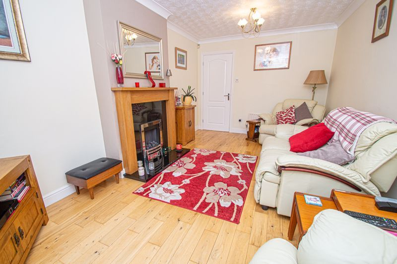 2 bed bungalow for sale in Fernwood Close  - Property Image 3
