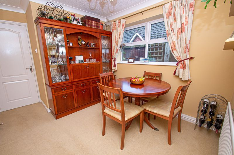 2 bed bungalow for sale in Fernwood Close 7