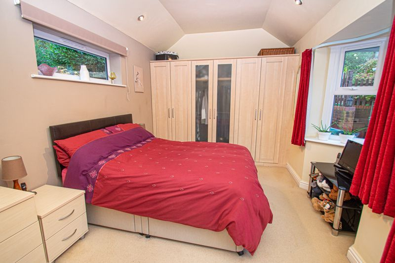 2 bed bungalow for sale in Fernwood Close 8