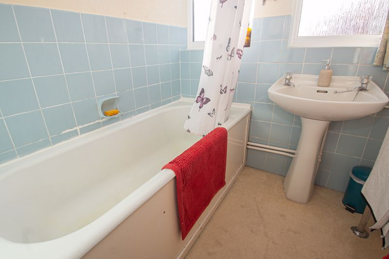 3 bed house for sale in Fordhouse Road 18