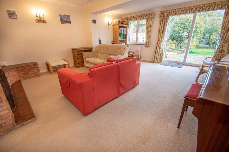 3 bed house for sale in Fordhouse Road 5