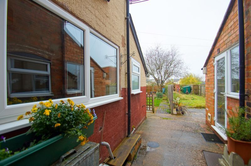 3 bed house for sale in Coronation Terrace 9