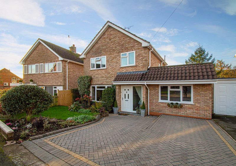 3 bed house for sale in Beverley Close 1